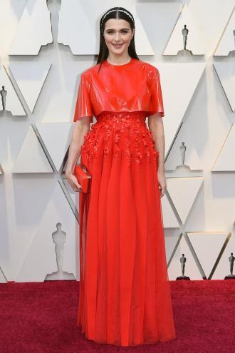 Vanguardista, Rachel Weisz , con un Givenchy muy futurista.
